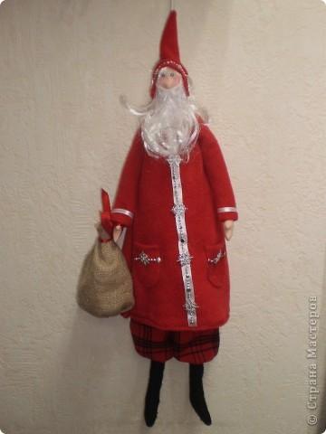 Куклы Шитьё: Санта Клаус -тильда Ткань Новый год. Фото 3