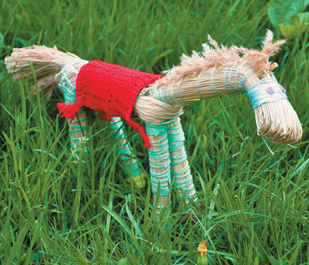 Игрушка из травы