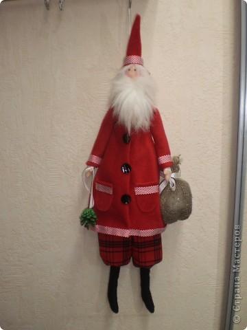 Куклы Шитьё: Санта Клаус -тильда Ткань Новый год. Фото 2