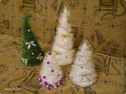Интерьер, Поделка, изделие: Последние пушистики этого года Ленты, Нитки Новый год, Рождество. Фото 1